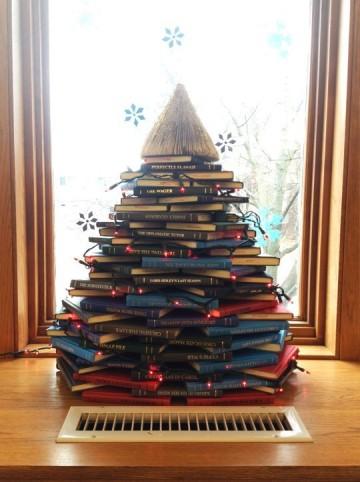 books-xmas-tree-3