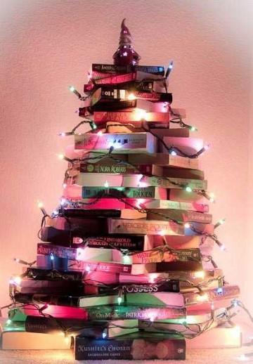 books-xmas-tree