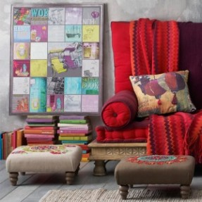 red-cushions