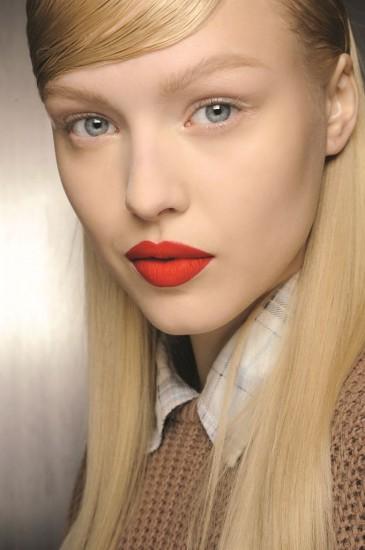 makeup looks με κόκκινο κραγιόν