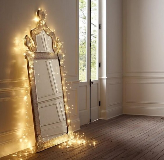 x-mas-lights-mirror-564x550