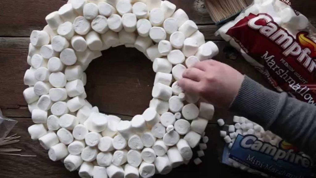 DIY χριστουγεννιάτικα στεφάνια
