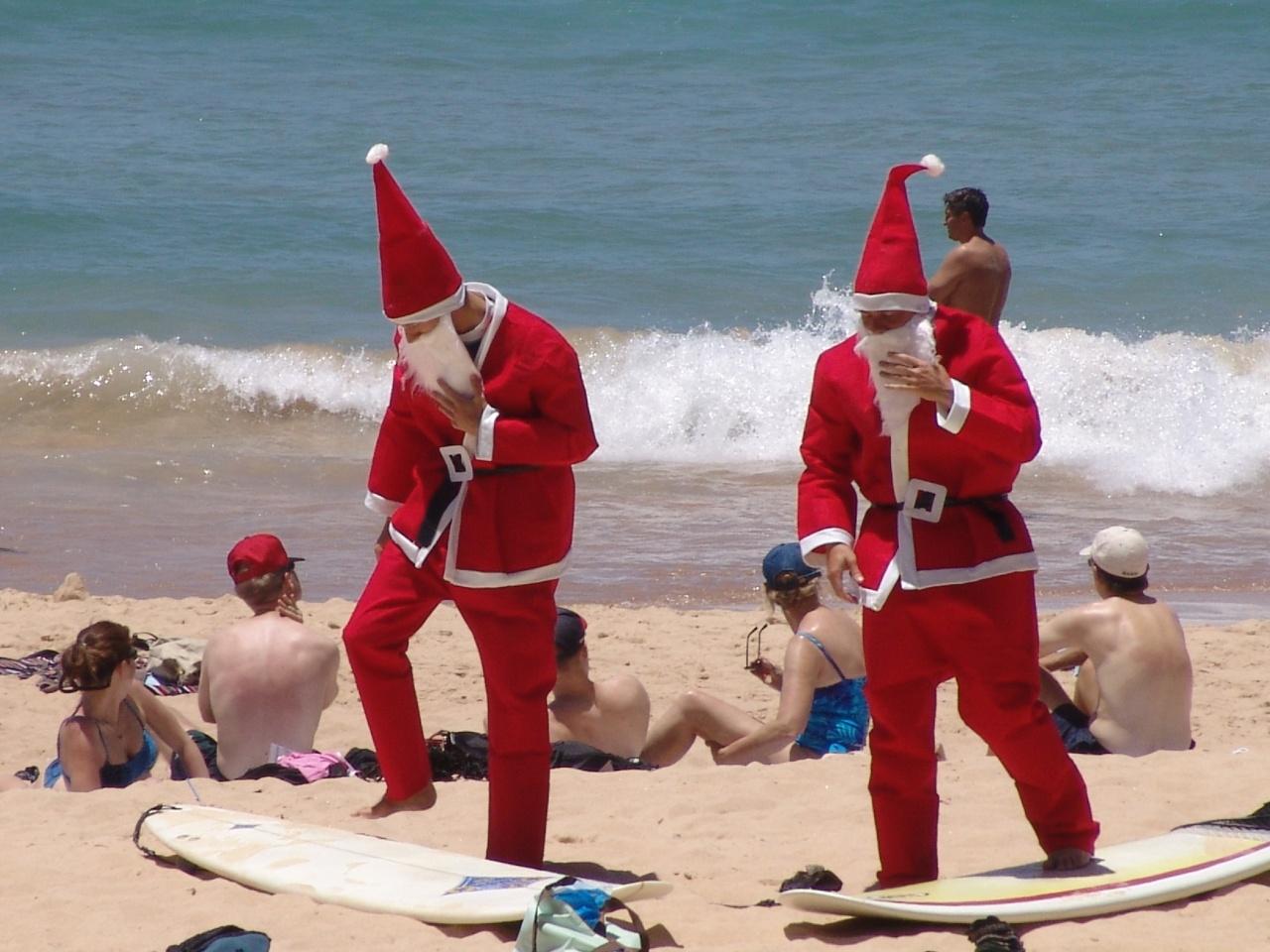 summer-santa-claus-5